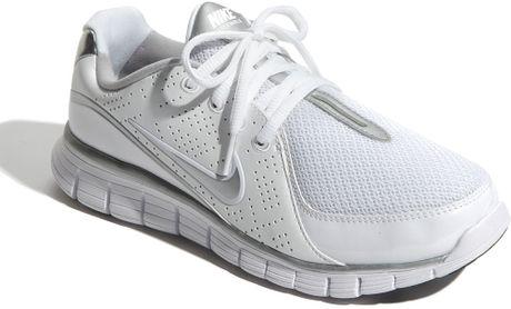 nike free walk walking shoe in white white