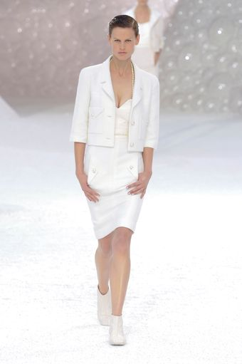 Chanel Spring 2012 White Sleeveless Top - Lyst