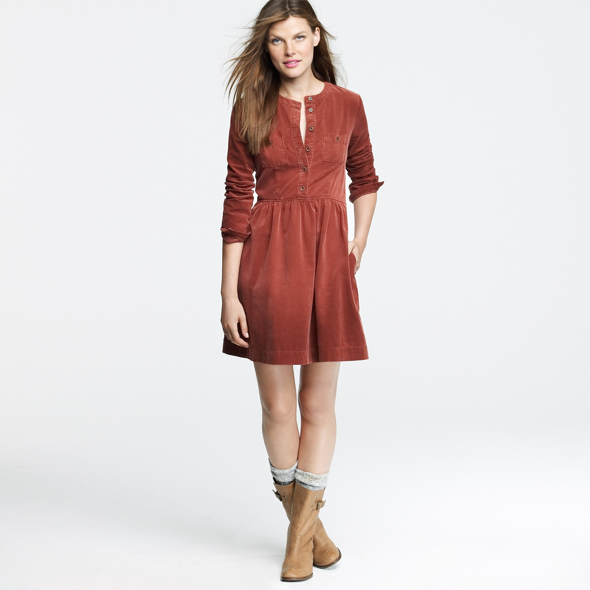 Shop Urban Outfitters for the perfect casual dresses for any occasion. Whether you need something to wear to class, or to the beach we have the dress you need. Receive free shipping for purchases of $50 or more on US orders.