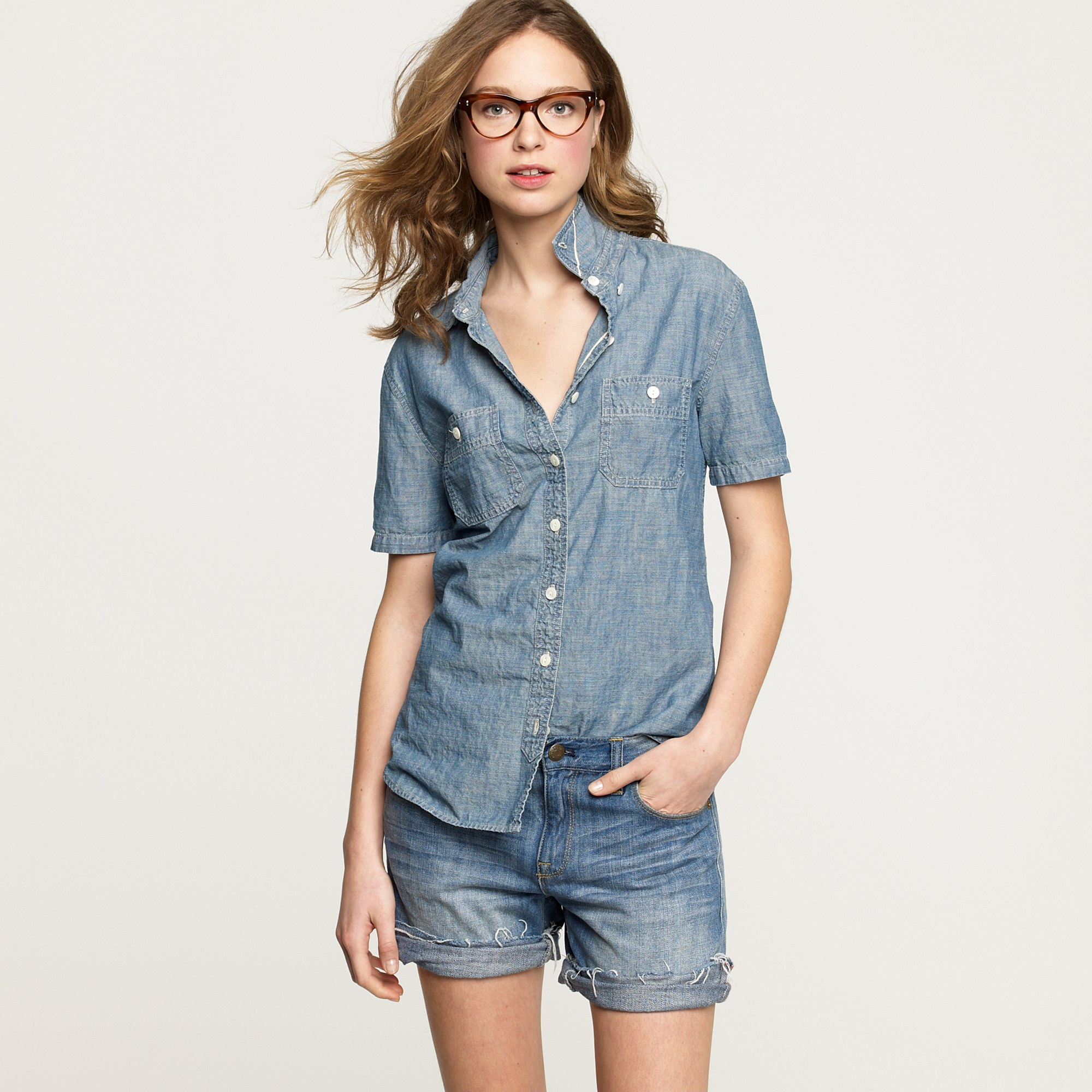 d5f407b712 Chambray Shirt Womens Outfit