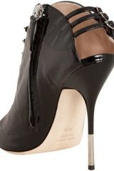 Giuseppe Zanotti Black Patent Leather Buckle Detail Peep Toe Ankle Bootie in Black - Lyst