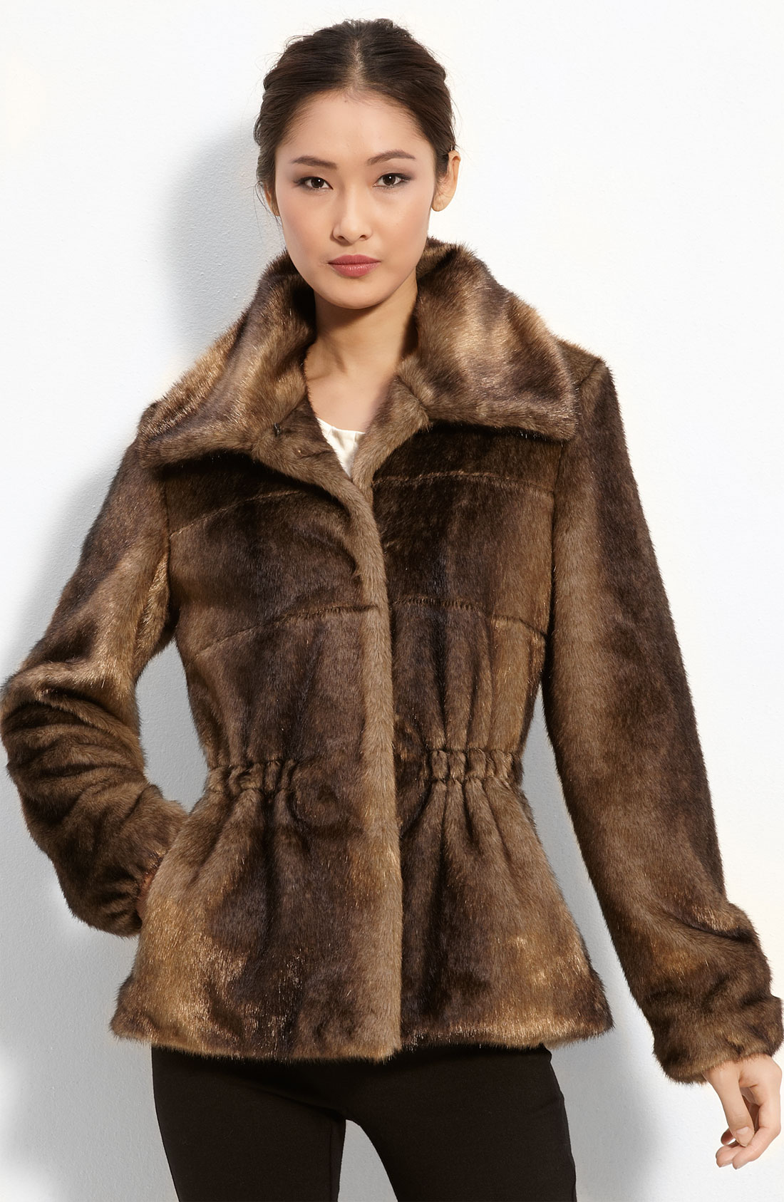 Sep 14,  · Good faux fur looks and feels like real fur and real fur can easily be painted another (unnatural) color. Sadly, real fur is being sold/mislabelled as faux fur, because of the growing costumer concerns about fur%().