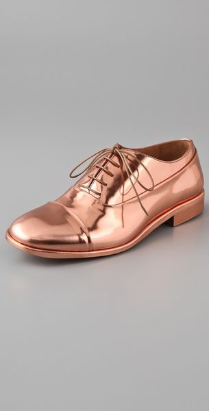 Maison Margiela Lace-up Metallic Leather Oxfords in Gold (copper)