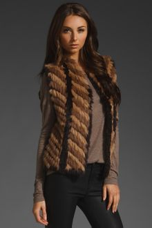 Marc By Marc Jacobs Lee Lee Knit Fur Vest - Lyst