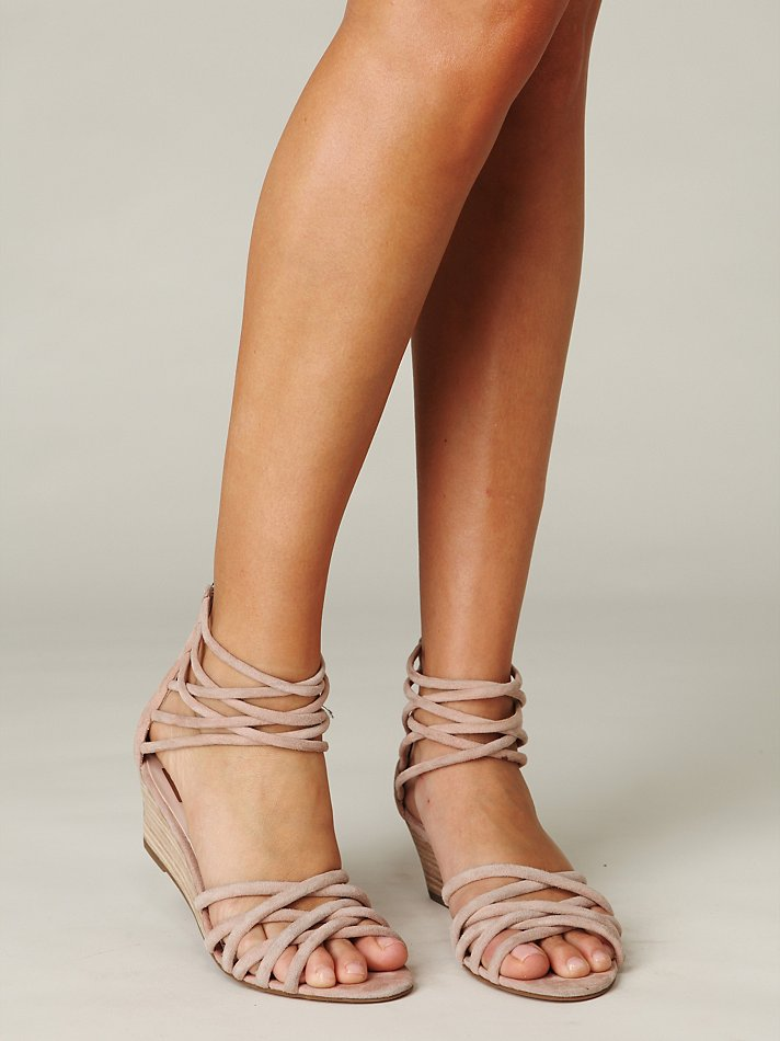 Lyst - Free People Queen Wedge Sandal In Natural-7173