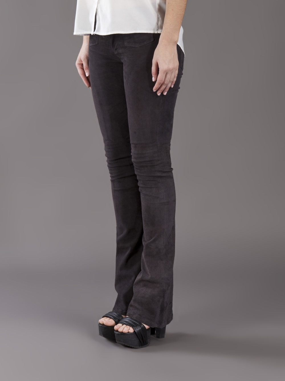 Goldsign Blossom Flare Jean in Black | Lyst