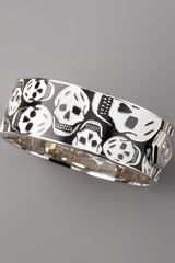 Alexander McQueen Medium Enamel Skull Bangle, Black/white - Lyst
