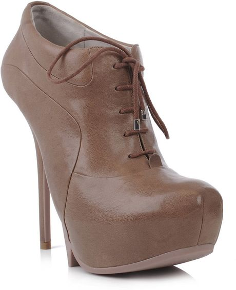 Camilla Skovgaard Leather LaceUp Shoes in Brown (taupe) - Lyst