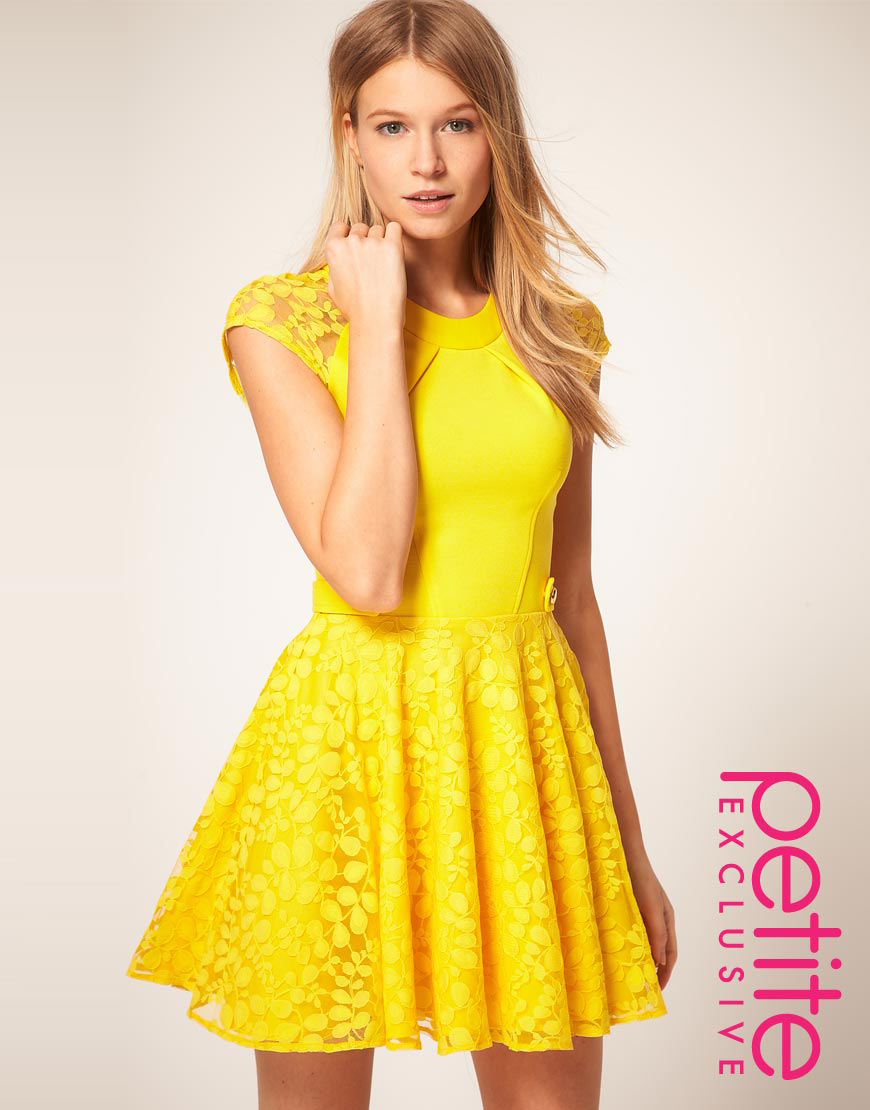 Yellow lace short dress