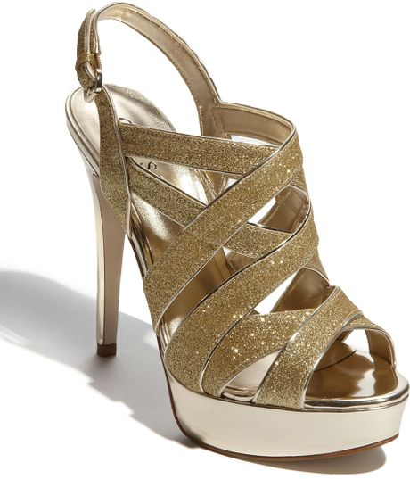 Guess Kio Sandal in Gold