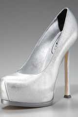 Yves Saint Laurent Metallic Leather Tribute Pump - Lyst
