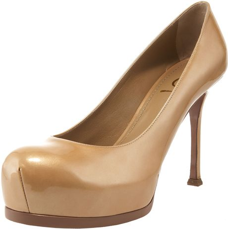 Yves Saint Laurent Tribtoo Patent Pump in Beige (black) - Lyst