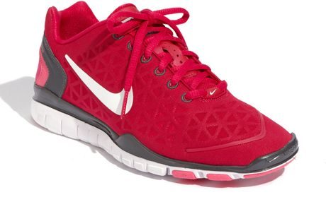 Nike 'Free TR Fit 2 'Training Shoe in Red (cherry/ grey/ pink) - Lyst