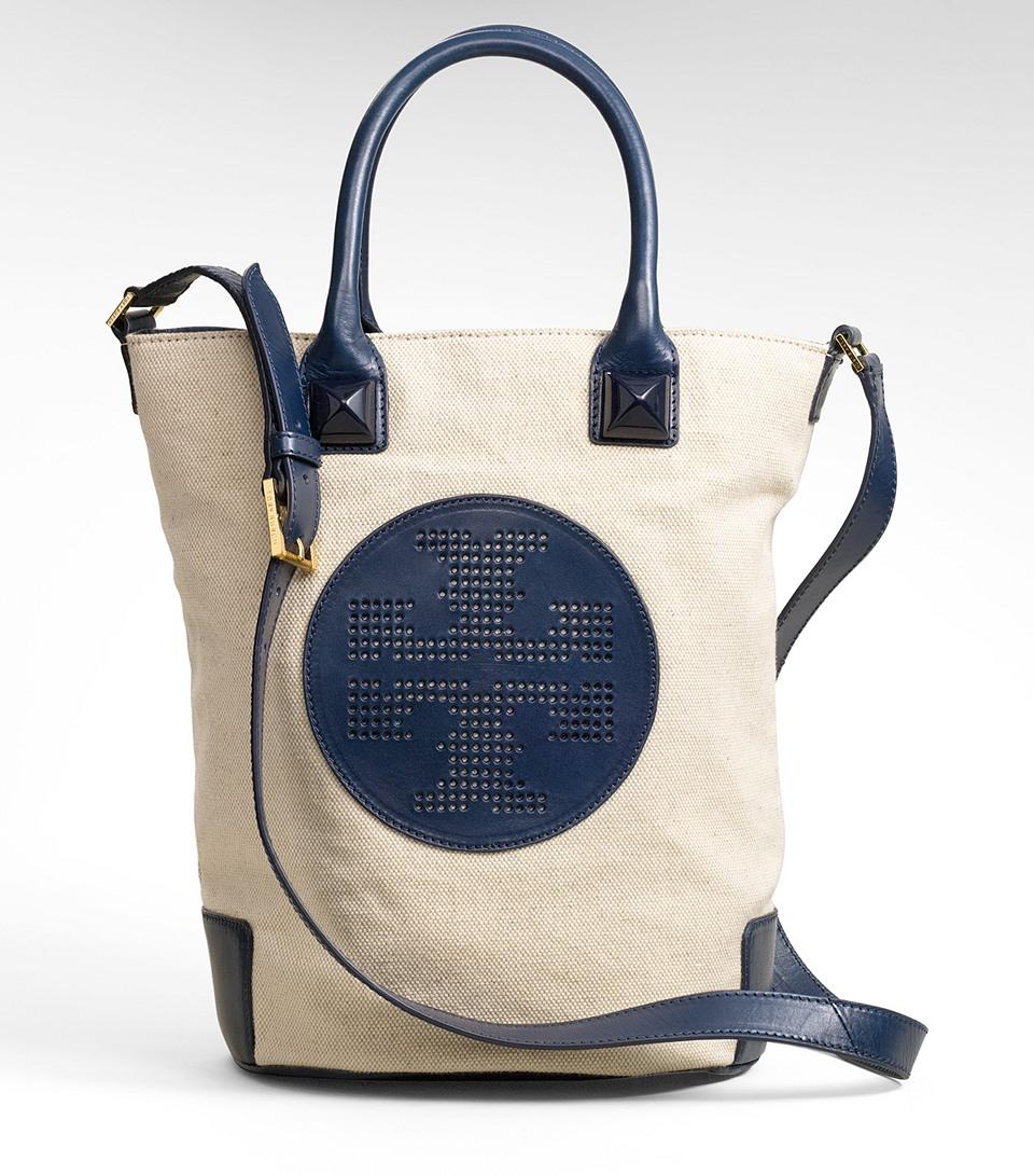 b4cf93fdf1b Tory Burch Canvas Meredith Bucket Bag in Blue - Lyst