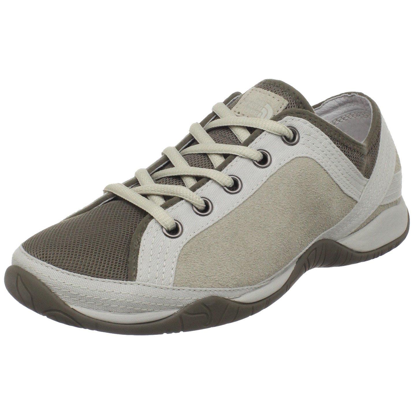 the womens braelyn walking shoe in gray