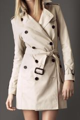 Burberry Short Gabardine Trench Coat - Lyst
