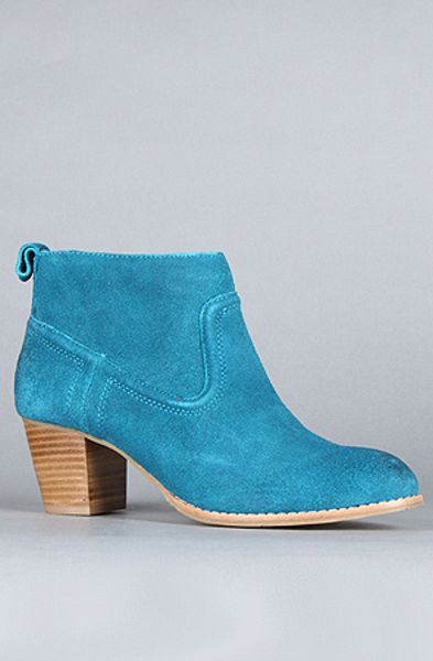 Dv By Dolce Vita The Jamison Boot In Teal Suede in Blue (teal)
