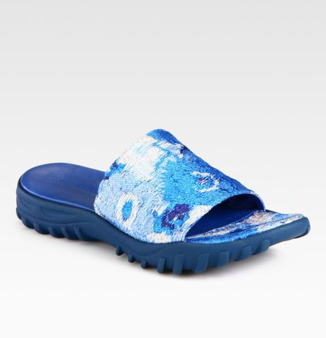 Christopher Kane Printed Silk-blend Sandals in Blue (royal) - Lyst