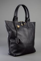 Alexander Mcqueen Leather Northsouth Skull Shopper in Black - Lyst