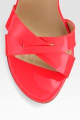 Stuart Weitzman Patent Leather Crisscross Platform Sandals in Pink (coral) - Lyst