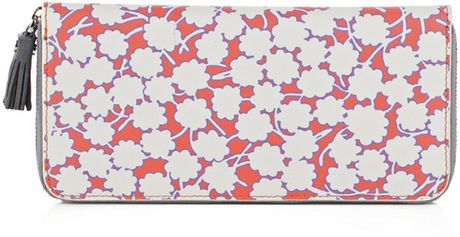 Dvf 1974 Zip Around Wallet in Pink (coral) - Lyst