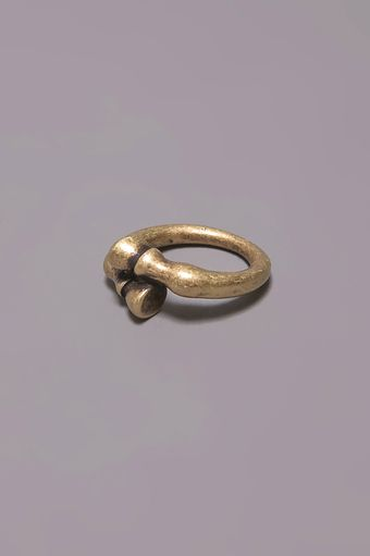 Low Luv X Erin Wasson Horse Hoof Ring - Yellow Gold - Lyst