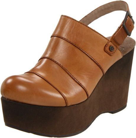 Otbt Womens Stockton Wedge Mule in Brown (new taupe) - Lyst