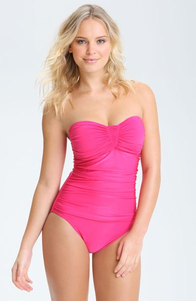 newssssss.tk offers a huge selection of women's swimwear. Specializing in Bikini Separates, Tankinis, One Pieces and Cover-ups. Ranging in Sizes X-Small to DD Cups+.