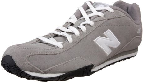 New Balance Womens Cw442 Leather Sneaker in Gray (light grey)