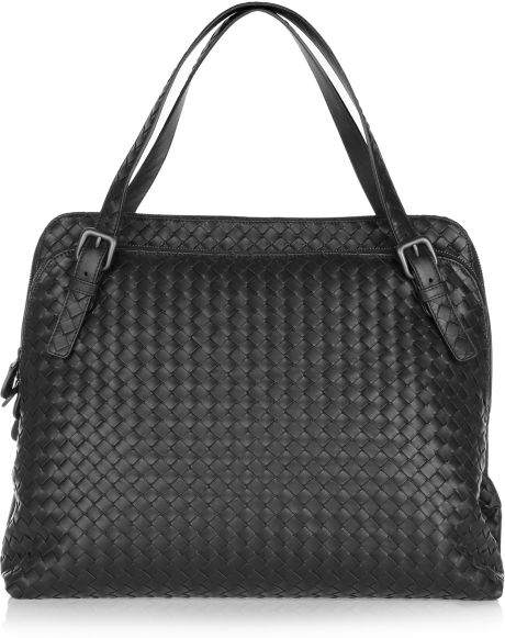 Bottega Veneta Intrecciato Leather Shoulder Bag in Black - Lyst