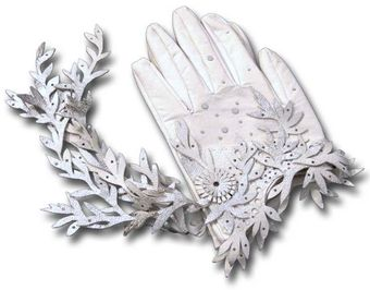 World Of Christina Winter White Gloves - Lyst