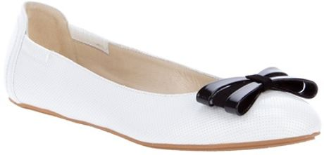 Armani Bow Detail Ballet Pump in White - Lyst