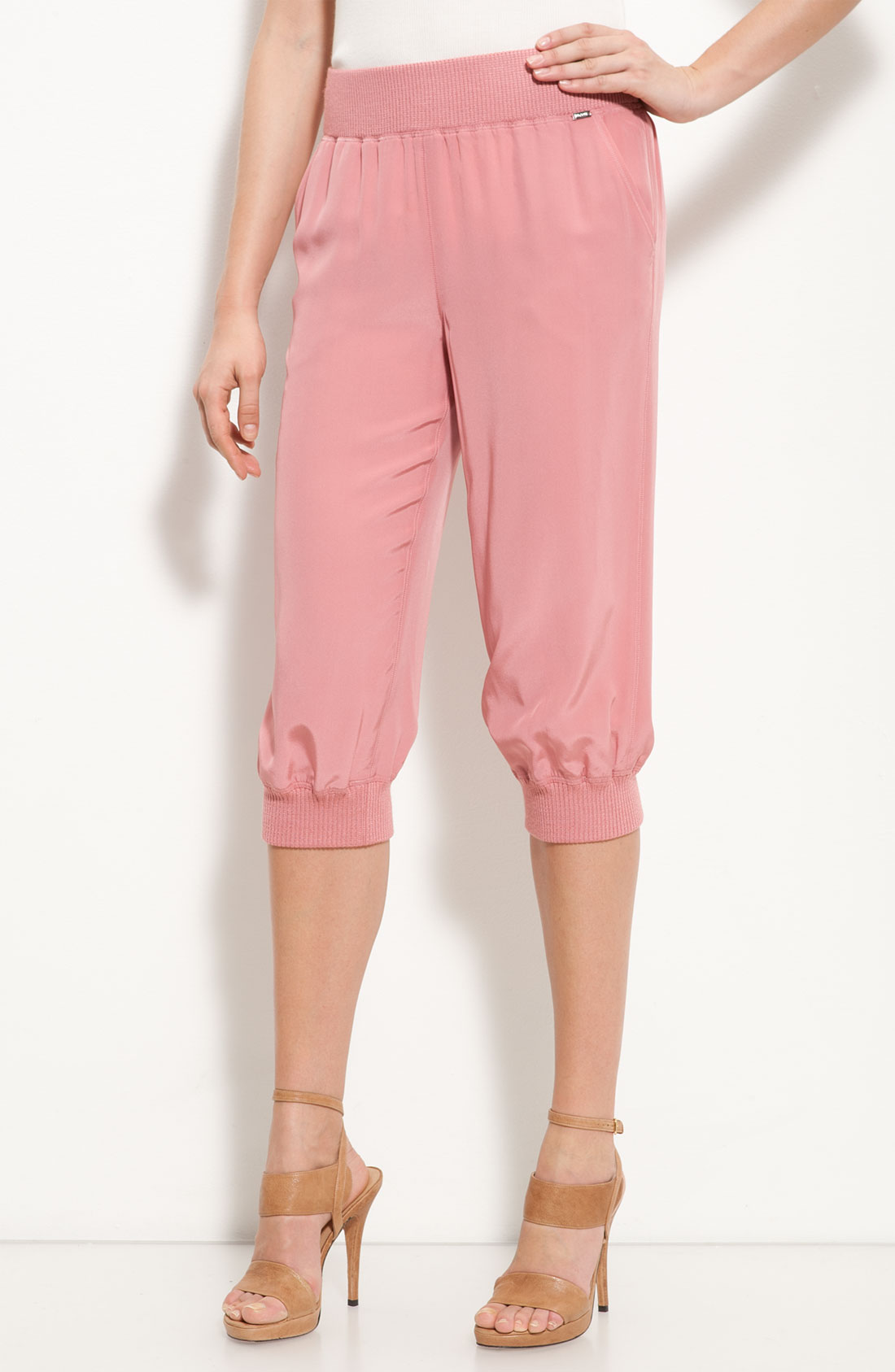 St. john Silk Capri Pants in Pink | Lyst