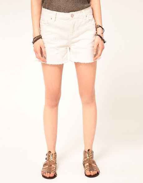 Zadig & Voltaire Relaxed Denim Cut Off Shorts in White (blanc)