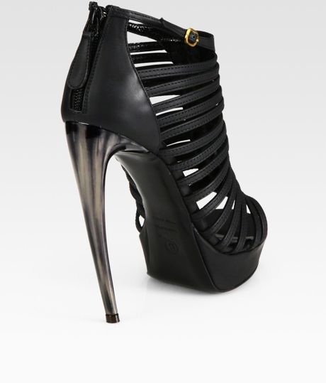 Alexander Mcqueen Strappy Leather and Horn Platform Sandals in Black - Lyst