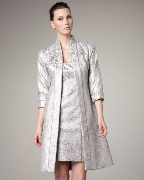 Theia Three Quarter Sleeve Brocade Coat in Beige (taupe)