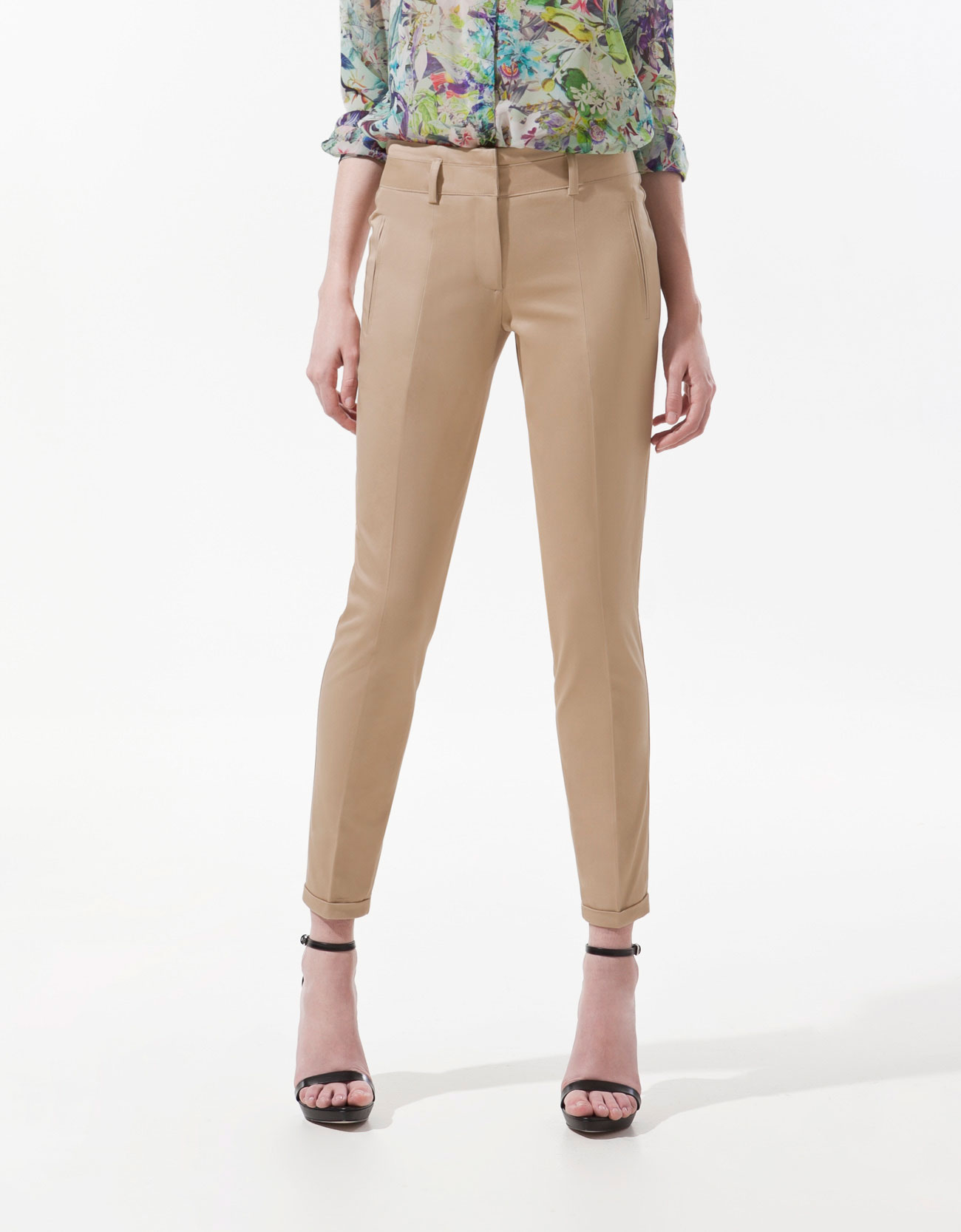 Women's Capris. Add versatility to your everyday wardrobe with women's capris from Kohl's. Ideal for work, happy hour or a weekend gathering, women's crop pants are must-haves.
