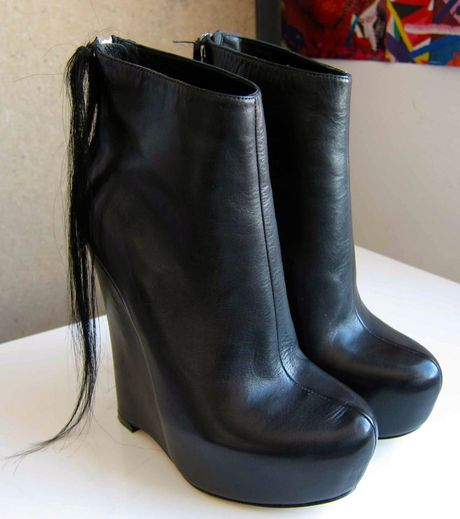 Kimberly Ovitz Wedge Ankle Boots in Black - Lyst