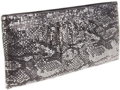 Bcbgmaxazria Bcbg Evelyn Clutch in Animal (gunmetal)