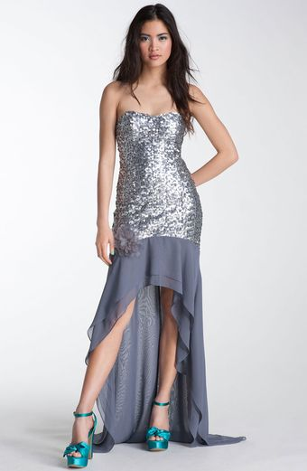 Way-in Strapless Sequin Chiffon Trane Gown - Lyst