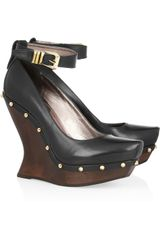 McQ by Alexander McQueen Studded Leather and Wooden Wedge Pumps - Lyst