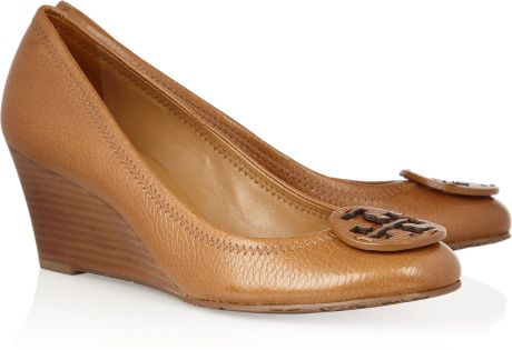 Tory Burch Sally Leather Wedge Pumps in Brown (tan) - Lyst
