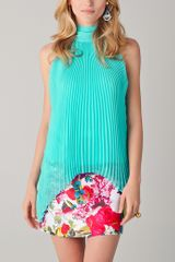 Alice + Olivia Emmy Pleated Top with Scarf - Lyst