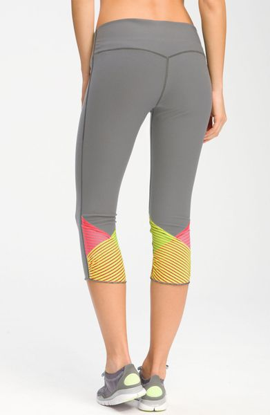 Nike Glissade Capris in Gray (cool grey) - Lyst
