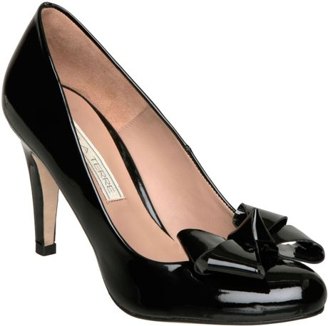 Pied A Terre Aconite Single Sole Bow Court Shoes In Black