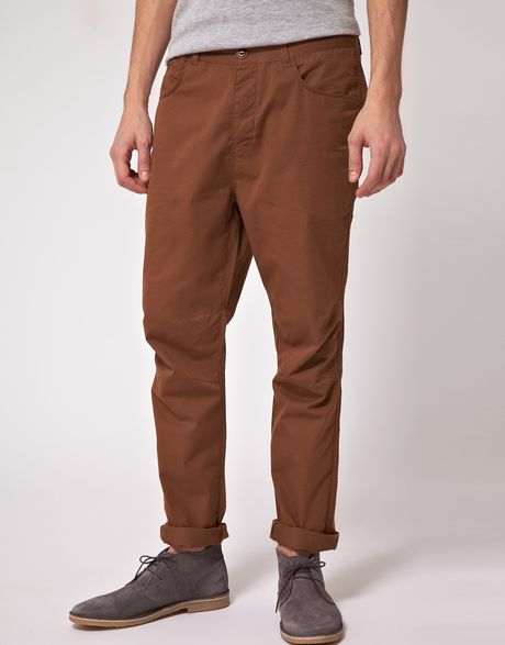 Asos Asos Lightweight Tapered Chinos in Brown for Men - Lyst