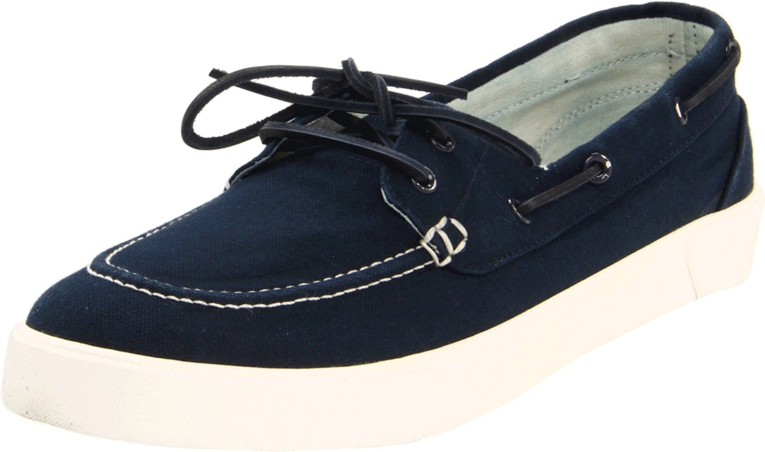 If you want your little princess to flaunt a stylish warm-weather look, gift her the Polo Sander Canvas Boat Shoe. Featuring deck-shoe laces that thread through metal grommets at the sides, this cool shoe exudes maritime-inspired style.