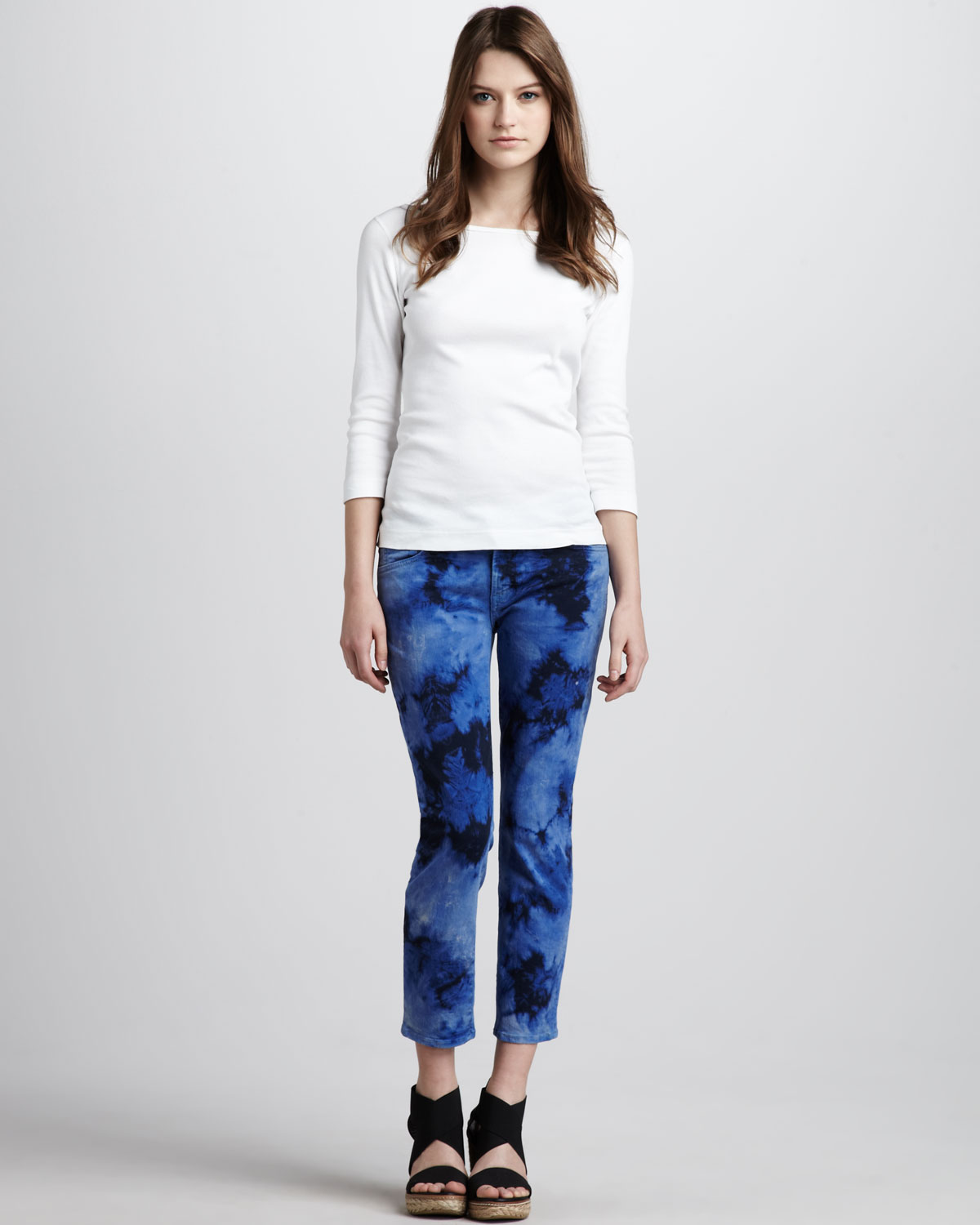 7 for all mankind roxanne cropped jeans tie dye in blue lyst. Black Bedroom Furniture Sets. Home Design Ideas