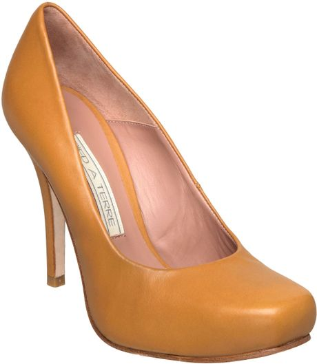 Pied A Terre Ammio Square Toe Court Shoes In Beige Camel
