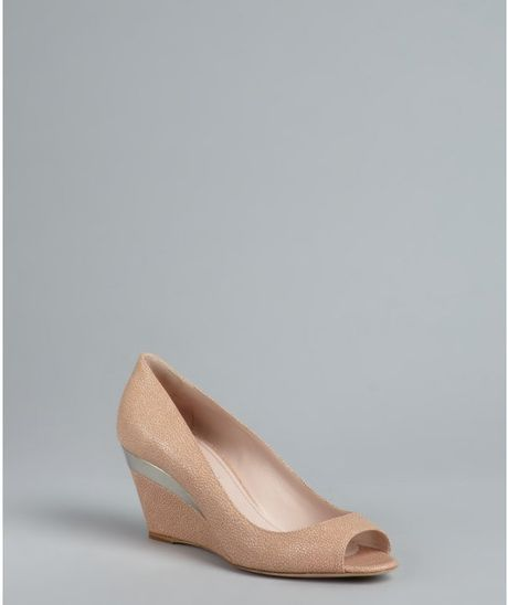 Miu Miu Powder Stingray Embossed Leather Peep Toe Wedges in Beige (powder) - Lyst